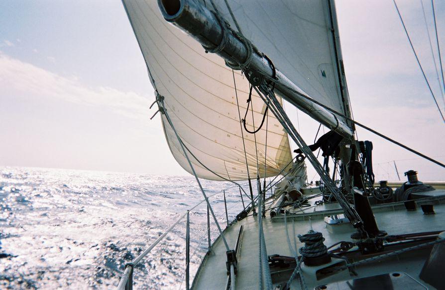 Voyage Cadix-Rio 2003 sur le Pen Duick VI, voilier d'Eric Tabarli (Luc Simon)